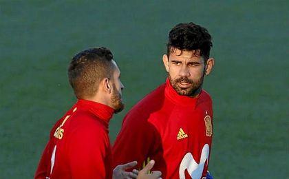 Diego Costa entrenando con la selección.