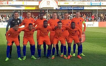La formación de Holanda sub 19 para el partido.