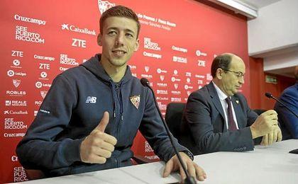 Lenglet, el día de su presentación como jugador del Sevilla.