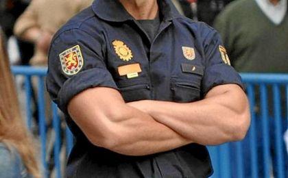 Detienen a un hombre por eyacular sobre un Policía Nacional en plena calle
