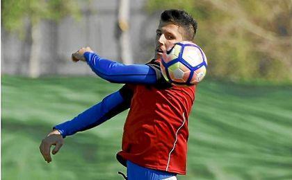 Jovetic acelera los plazos de recuperación y completa el entrenamiento