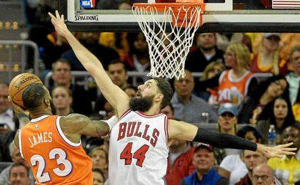 Mirotic destacó en los Bulls.