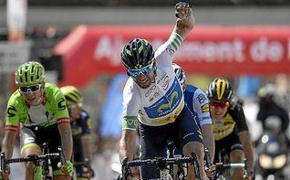 Valverde exhibe su poderío en Arrate con victoria y liderato