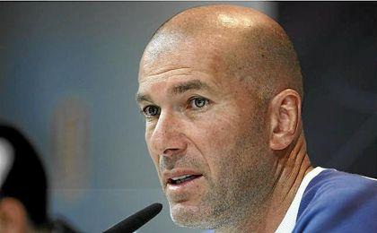 """Zidane, sobre su continuidad: """"Para nada estoy seguro, no estoy preparando nada"""""""