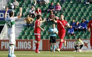El doblete de Gual no evita la derrota del Sevilla Atlético en Elche (3-2)