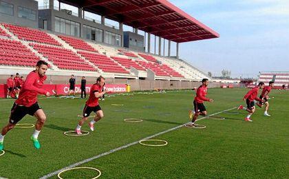 El Sevilla se ha ejercitado en la ciudad deportiva.
