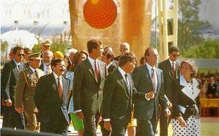 Los Reyes Juan Carlos y Sofía presiden el acto conmemorativo de la Expo´92