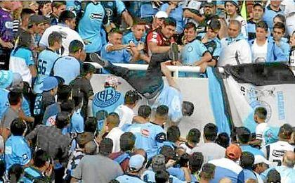 La violencia, una sombra recurrente que oscurece el fútbol argentino
