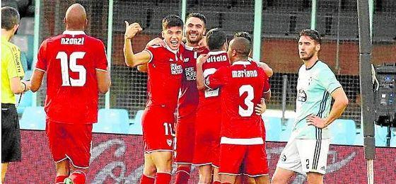 El Sevilla vapuleó en la primera vuelta a un Celta que visitará Nervión el próximo jueves.