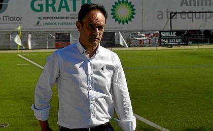 Antonio Gil, hasta el lunes entrenador del Antoniano, fue destituido a falta de tres jornadas, dejando a su equipo fuera del descenso tras empatar frente al Coria.