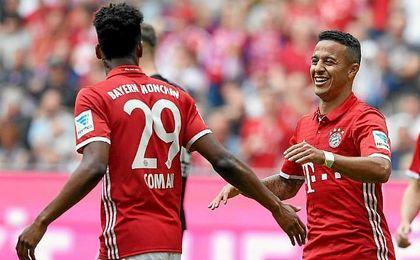 Thiago Alcántara renueva con el Bayern hasta 2021