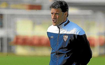 Míchel, durante su etapa como técnico del Sevilla.