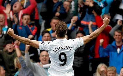Fernando Llorente marcó su decimotercer gol en su estreno en la Premier