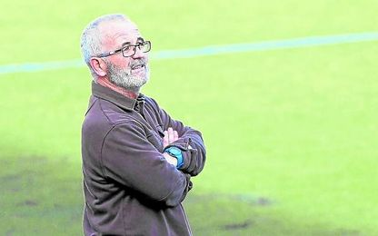 Eusebio Navarro, entrenador del UP Viso, ha certificado la permanencia a falta de tres jornadas.