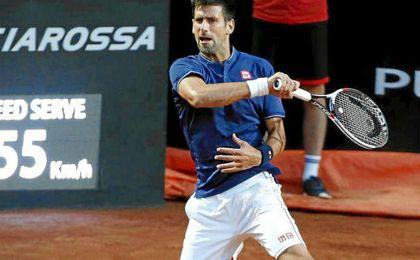 Djokovic apabulla a Thiem y buscará su quinto título en Roma ante Zverev