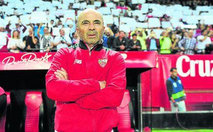 Jorge Sampaoli se marcha del Sánchez Pizjuán con los deberes realizados en una temporada en la que su equipo fue de más a menos pero consiguió el objetivo y firmó una puntuación que pasa a la historia.