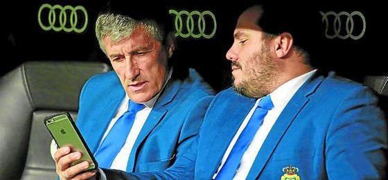 Serra Ferrer y Torrecilla se reunieron ayer en Madrid con Quique Setién y sus agentes para perfilar el contrato.