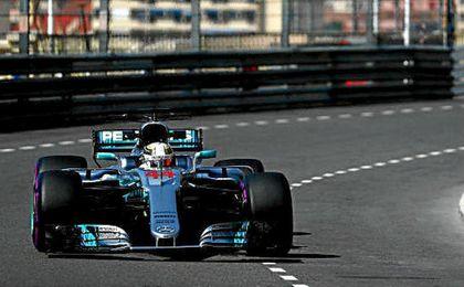 Hamilton dominó los primeros libres; Vettel, los segundos.