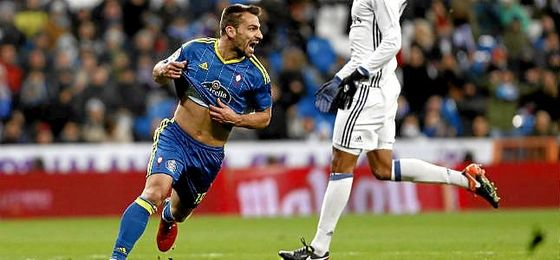 Jonny celebra un gol en el Santiago Bernabéu.