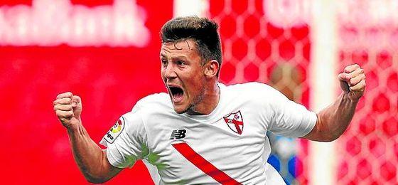Marc Gual confirmó su gran momento con un doblete frente al Cádiz.