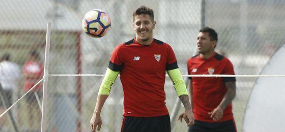 Jovetic, en un entrenamiento en la ciudad deportiva.