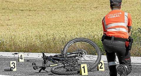 Imagen de uno de los accidentes con ciclistas involucrados en Navarra.