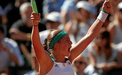 Ostapenko somete Roland Garros