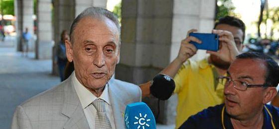 Manuel Ruiz de Lopera acaba de llegar a la Audiencia de Sevilla.