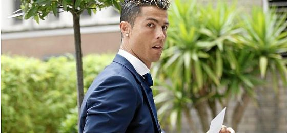 """Cristiano Ronaldo, denunciado por fraude tributario """"voluntario"""" y """"consciente""""."""