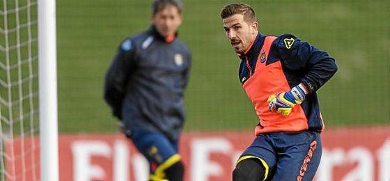 Javi Varas deja Las Palmas para jugar en el Granada.