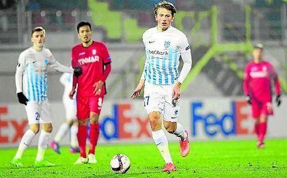 El noruego Sander Berge, durante un Astra Giurgiu-KRC Genk de la Europa League.