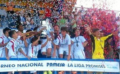 El Sevilla F.C. alevín, campeón de LaLiga Promises en el año 2015.