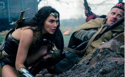 El filme ´Wonder Woman´ sobre la heroína de DC Comics corona la taquilla española.