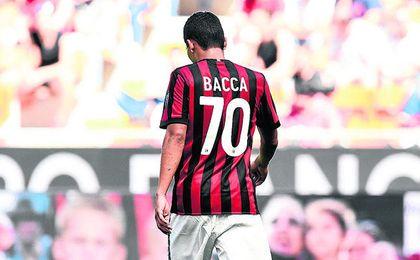 El exsevillista Carlos Alberto Bacca Ahumada, con la elástica del Milan.