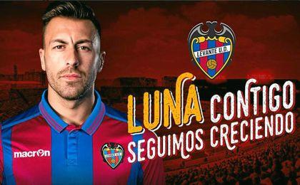 El lateral ha sido presentado hoy por el Levante.