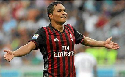 El Milan declara transferible a Bacca