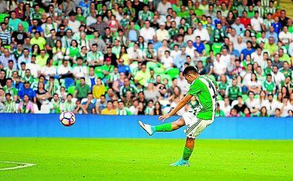 Ceballos firmará un contrato de seis temporadas con el Real Madrid, con una cláusula de 200 millones.