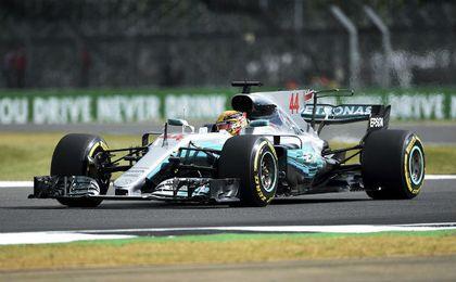 Pole para Hamilton en Silverstone