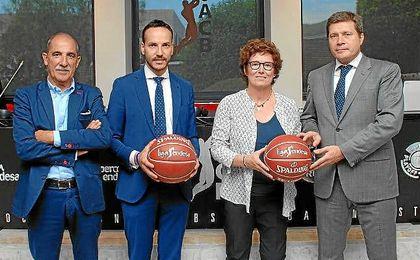 Representantes del Gipuzkoa y Miraflores, en la Asamblea de la ACB.