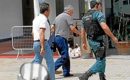 Villar, a su entrada en la Federación con la Guardia Civil.