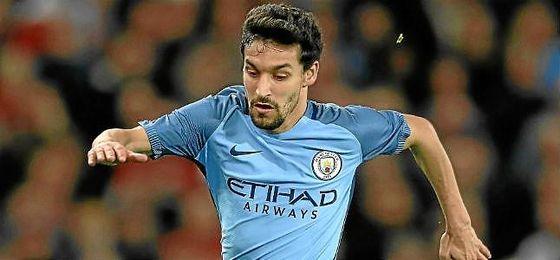 Jesús Navas quiere volver a jugar en el Sevilla después de cuatro campañas en el Manchester City.
