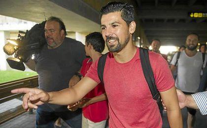 Nolito, a su llegada a Sevilla para firmar su contrato.