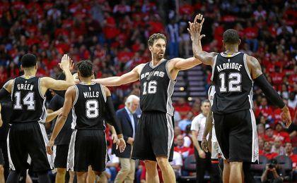 Gasol, en un partido con los Spurs.