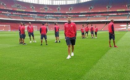 Imagen de los jugadores del Sevilla antes de comenzar el encuentro.