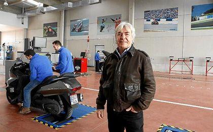 Ángel Nieto sufrió un grave accidente de circulación en Ibiza.