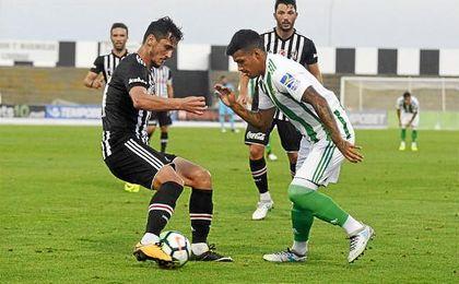 Nahuel hizo el gol del Betis ante el Besiktas.