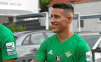 Cristian Tello espera estar disponible para Setién cuanto antes.