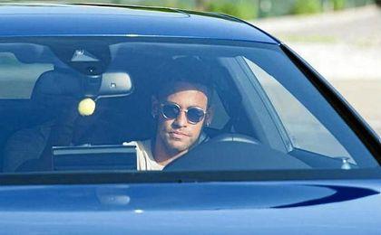 Neymar, saliendo de las instalaciones de la ciudad deportiva del FC Barcelona.