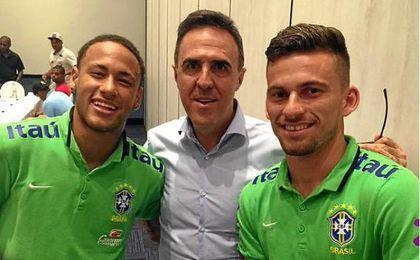 Wagner Ribeiro, junto a Neymar y Lucas Lima