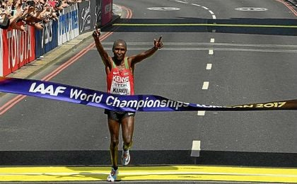 Kirui da a Kenia el quinto título mundial de maratón, Guerra decimoséptimo